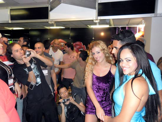 patricia-kimberly-e-erica-vieira-na-erotika-fair-2012