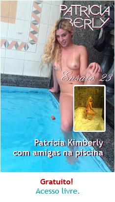 Patricia Kimberly com amigas na piscina